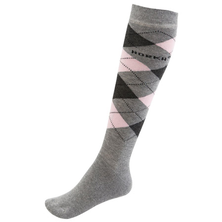 Calcetines rombos en gris.